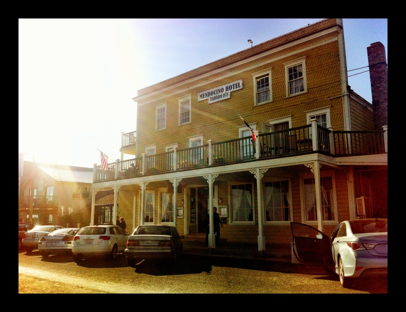 Photo Girl Travels Mendocino Hotel 9