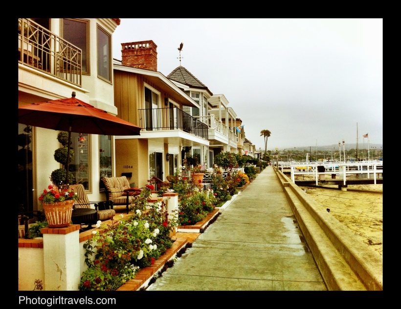 Here's the walkway around the Balboa Island with some fabulous homes